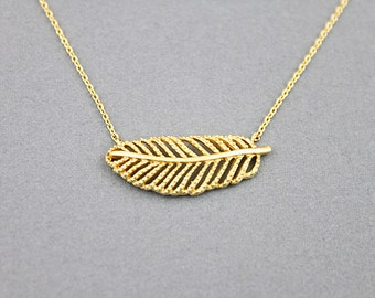 Delicate Gold Leaf Pendant Necklace. Simple and Modern Necklace. Dainty Necklace.
