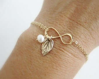 Gold mothers bracelet Infinity bracelet with leaf charm Mother of the bride gift Mother of the groom gift Leaf bracelet Gift for mom jewelry