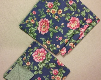 Handmade luncheon napkins, Floral Design