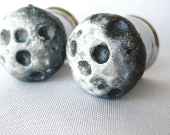 """Pair of Hand-Molded Full Moon Plugs - 2g, 0g, 00g, 7/16"""", 1/2"""", 9/16"""", 5/8"""", 3/4"""", 7/8"""", 1"""", 28mm, 30mm, 32mm (6mm-32mm)"""