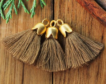 5pcs Mini Tassel, Gold Tulip Cap Tassel, 2.5cm Cotton Tassel, Gold Plated Cap Tassel Charm, Tiny Tassel Pendant, Bohemian Tassel, Mink / #13