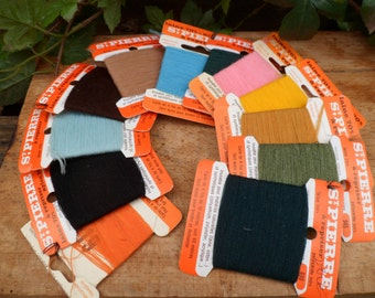 12 tags wool darning ST PIERRE vintage haberdashery, embroider and festonner, various colors