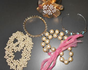 Vintage Estate Jewelry lot girly girl collection 5 pc preppy pearls rhinestones glass