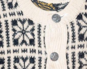Vintage 1960s Norwegian Wool Sweater Small