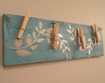 Repurposed Wood,Wall Decor,Hanging Picture Display,Distressed Wood,Rustic,Country,Repurposed,Picture Line,Clothes Pins,Stencil