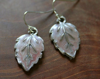 Pink Leaves - Pair of dangling earrings with leaves with soft pink shimmering enamel