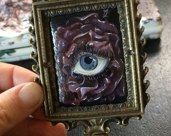 Original mini painting * eye see you * in antique brass frame