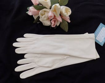 Vintage Mid-Length White Gloves With Top Stitching - 1960s Size Small