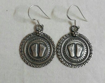 Handmade Hammered 92.5 Sterling Silver Hindu Goddess of Prosperity and Wealth Maa Lakshmi Pada Footprints Hinduism Holi Symbole Earring