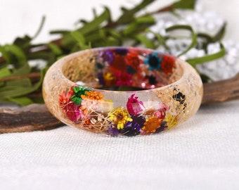 Resin Bangle Bracelet,  Real Flower Resin Bracelet, Real Flower Resin. Nature jewellery. Botanical Resin Bracelet.