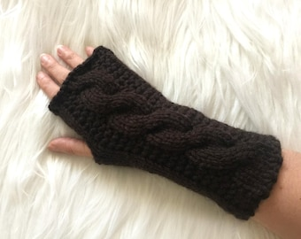 Fil marron foncé long gants en tricot
