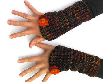 Fingerless gloves, wrist warmers, mittens