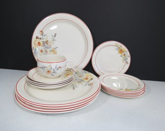 1930's Homer Laughlin Swing China Set // Art Deco Red Yellow Floral Pattern Replacement Pieces Starter Set Dinner Plates Dessert Plates Tea
