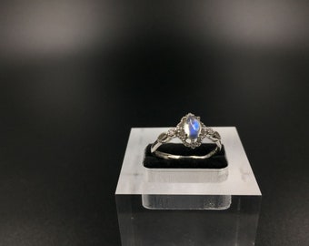 ring set in 925 Silver gem quality Moonstone (adularia)