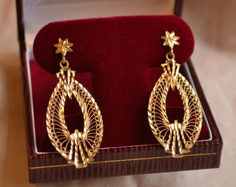 Dramatic and bohemian vintage 10K yellow gold filigree drop-style statement earrings