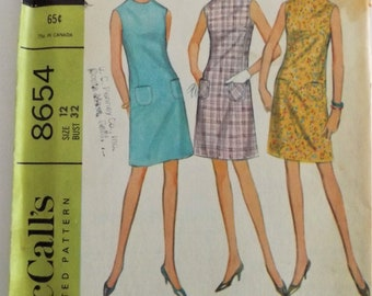 60's  McCalls  8654  DRESS Sewing Pattern  Sleeveless easy to sew **