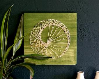 Modern String Art Wooden Tablet - Sea Snail on Green Tea