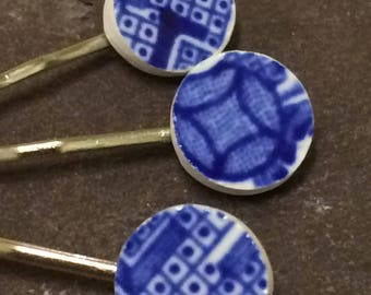 Willow pattern hair pins/ set of 3 bobby pins/ blue and white hair pins