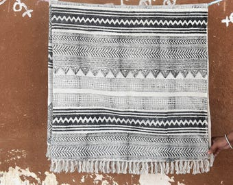 Large Indian rugs cotton rug, woven rug, area rugs sale, decor rug, rustic rugs, decorative rug, rugs, Bohemian rugs, indian rugs,