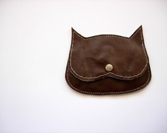 Brown distressed Leather  Cat coin purse,  minimal cute cat pouch, cat purse, crazy cat lady bag