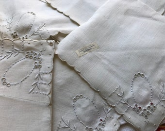8 Vintage Off-White Linen Napkins~Eyelet Broderie Anglaise~Cutwork~Embroidery~Blanket Stitch Scallop Edges~NOS/Unused Azores Portugal Label