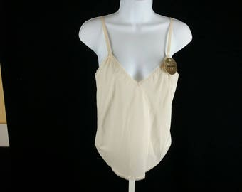 Vintage beige camisole NOS new old stock new with tags Farr-West size small chest 34