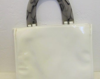 A Vintage 80's,White PLEATHER Purse With LUCiTE Handle From NEIMAN-MARCUS.(As Is)