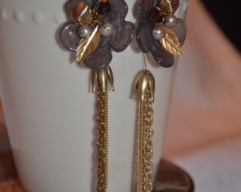 Lovely vintage flower leaf tulip dangling earrings with pearls and gold-tone metal