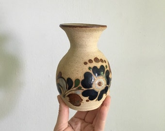 earthenware southwestern clay pottery. bud vase vintage boho clay vessel. bohemian planter home decor interior design pottery