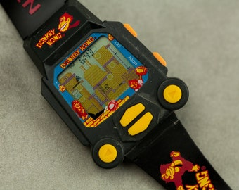 Vintage Donkey Kong Nintendo Game Watch Working and in Amazing condition