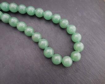 Aventurine: 10 round beads 8 mm in diameter