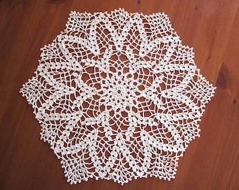 New Vintage-chic Handmade Cotton Cloth Crochet Doily