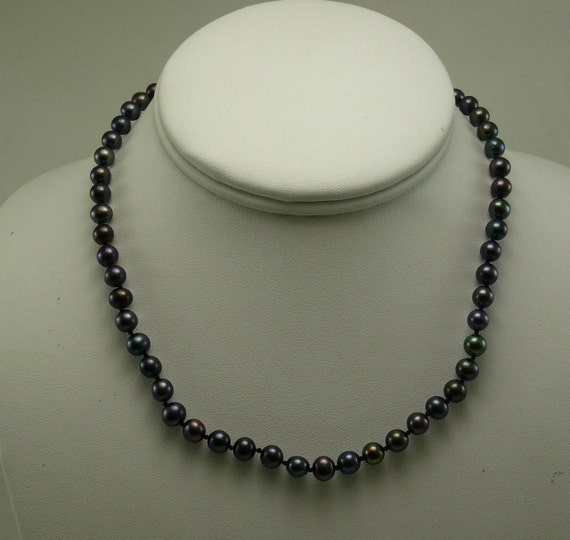 Freshwater Black Pearl Necklace 14k White Gold Clasp 16 Inches