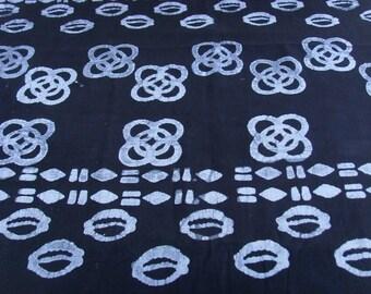 Batik by the yard - black/white - cowrie shells and Kintinkantan patterns - bkvl25