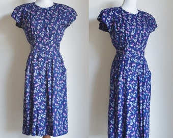Vintage Floral Dress, Navy Blue Flower Print Dress, Short Sleeve Dress, 80s Flower Dress, Pocket Dress, Wide Waistband Dress, Petite Medium