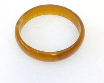 unique vintage pressed amber  bracelet 16.80 g