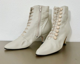 Vintage 80s Victorian Style Leather Ankle Boots Size 7 Made in Brazil Ivory