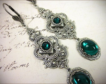 Emerald Renaissance Earrings, Green Victorian Jewelry, Queen, Ren Faire, Tudors, Medieval Wedding, Victorian Earrings, Avalon