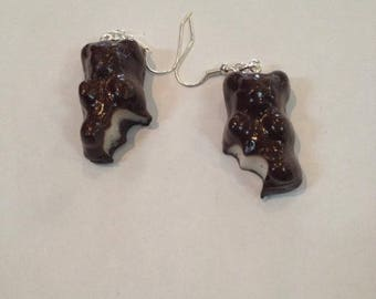 Earrings bitten Marshmallow bear.