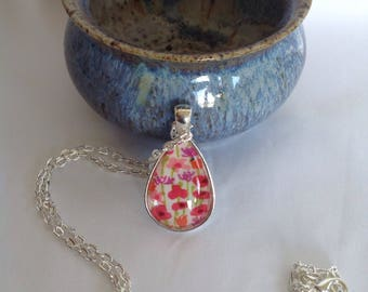 Bezel Set Fabric Necklace | Libertyof London Fabric | Quilters Necklace | Quilt Fabric Necklace | Gift for Quilter | Quilters Jewellery
