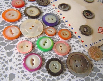 Vintage Shell Mother of Pearl MOP Sewing Buttons Lot