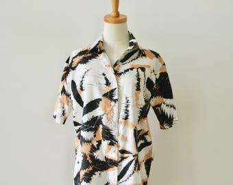 Avant Garde graffiti shirt. Black brown splatter top. Painter brush stroke top. Artist summer shirt. Abstract 90s shirt. Explosion shirt. L