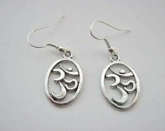"Ohm Yoga Earrings 20mm (3/4"") Spiritual Oval Aum Om Yoga Jewellery Silver Plated Dangle Drop Earrings"