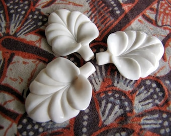Fluted Flower Carved Bone Hairstick Bead