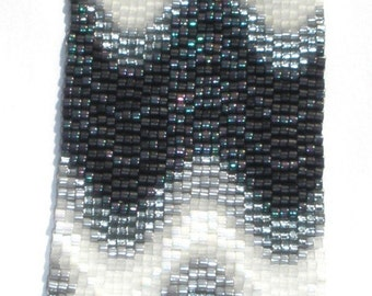 Waves of Gray Bargello Peyote Stitch Cuff