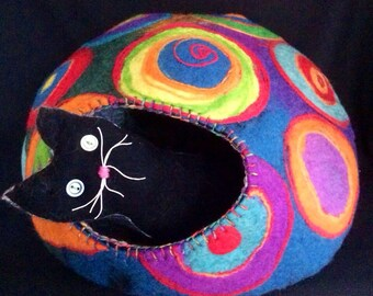 Kandinsky CatCave Pet Bed With Rescue Donation