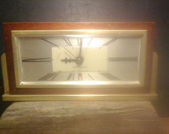 Vintage Mid-century DECO Style Seth Thomas  Electric BAXTER 2-E Clock, Wood  Case  & Brass Trim,  Modern and Traditional