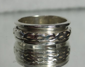 Vintage Sterling Silver Spinner Band Ring Sz 8.25 M656