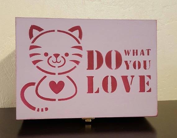 'Kitty' wooden tea box