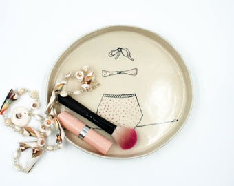 Illustrated Stoneware Ceramic Jewelry Dish, Gift for her, Ring Dish, Trinket Dish, Birthday Gift, Unique Gift